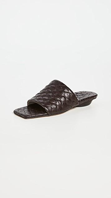 Han Quilted Sandals レディース