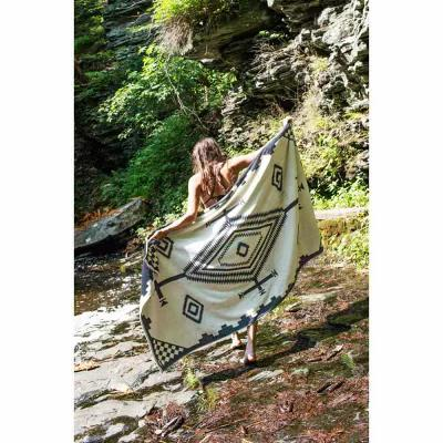 ペンドルトン Pendleton ビーチタオル Los Ojos Oversized Jacquard Beach Towel Black