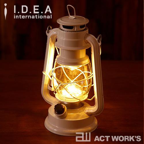 【ポイント10倍・送料無料】オイルランプのようなデザインのLEDライト 《全5色》BRUNO LEDランタン ブルーノ 【IDEA イデアレーベル デザイン雑貨 LEDライト インテリア LED照明 北欧 アウトドア キャンプ 間接照明】