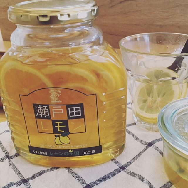 柑橘生産で有名な広島県瀬戸田町のレモンをはちみつに漬け込みました 誕生日 お祝い 誕生日プレゼント ハチミツ 24時間限定10%オフクーポン配信中 レビュー記載で200円クーポンプレゼント中 防カビ剤不使用 低農薬で作られた国産レモンを蜂蜜に漬け込みました 瀬戸田レモン