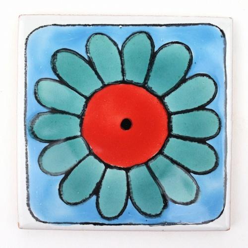 チュニジアの職人が一枚一枚手描き 割引も実施中 CARO 118 驚きの値段で チュニジア手描きタイル