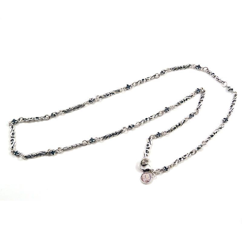 シルバー925 メンズネックレスアラベスクをモチーフにしたデザインチェーン。 SILVERとCUAL(銅合金)のコンビ。 ( Arabesque Design Chain All Silver)
