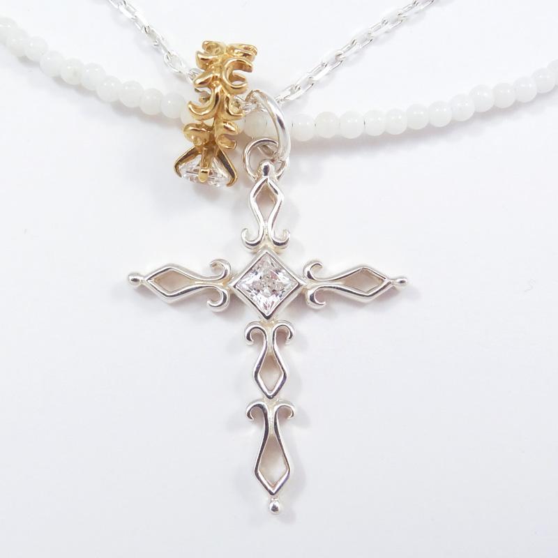 シルバー925 メンズネックレス 艶黒のホワイトオニキスを使用したネックレスとシルバーチェーンの2連タイプ。デザインクロスとアラベスクベビーリングのダブルTopの3wayネックレス。( 3way Cross & Babyring White Necklace )