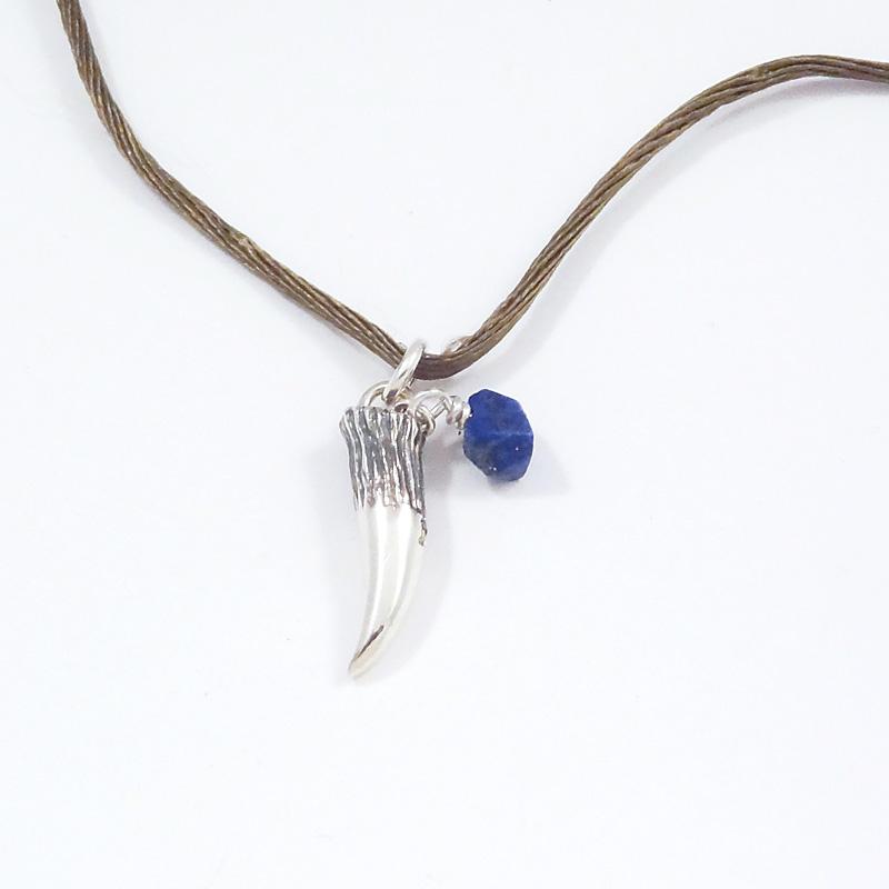 """シルバー925 メンズネックレス Fang""""=毒牙、動物の牙 動物の骨や歯などお守りとして使用されることがある。そのFangをモチーフに御守りという意味を込めました。( Light Fang""""Necklace )"""