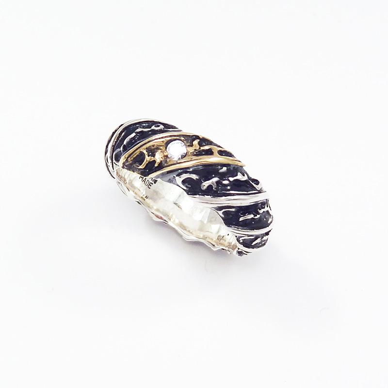 シルバー925 メンズリングヴィクトリア調の雰囲気のあるリング。 SILVERとCUAL(銅合金)のコンビ。(Arabesque Spin Ring)