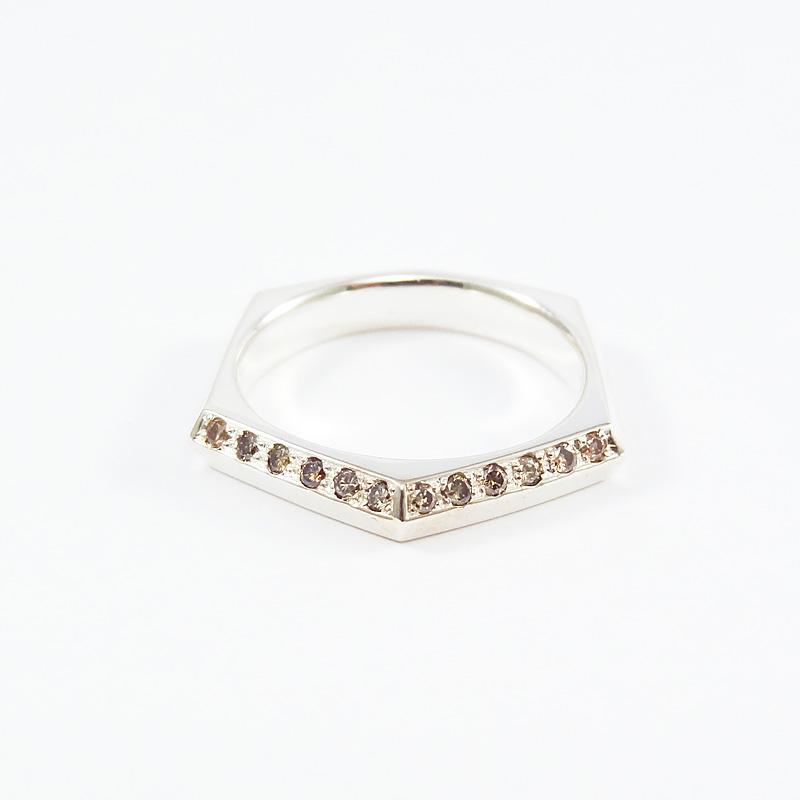 シルバー925 メンズリング幾何学的な形をエッジーかつシャープなラインで落し込み、フォルムに拘ったシリーズブラウンダイヤモンド(Brown Dia Hexagon Ring Light)