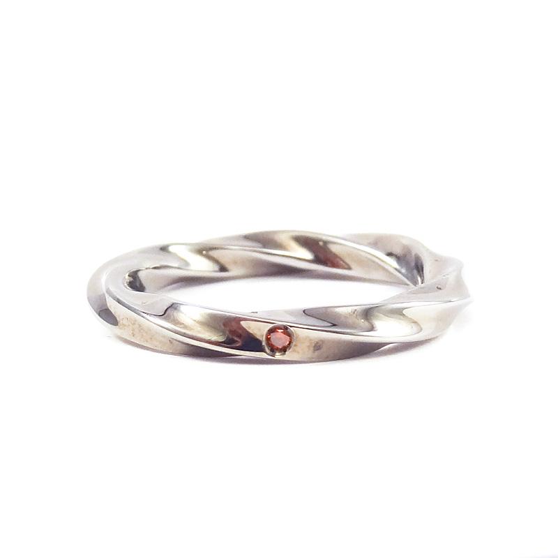 シルバー925 レッドダイアモンド メンズリング永遠…無限…に続く時の流れをイメージ、曲線から創り出される光の反射、表情の違いが魅力レッドダイアモンド (Infinity Loop Ring Dark)
