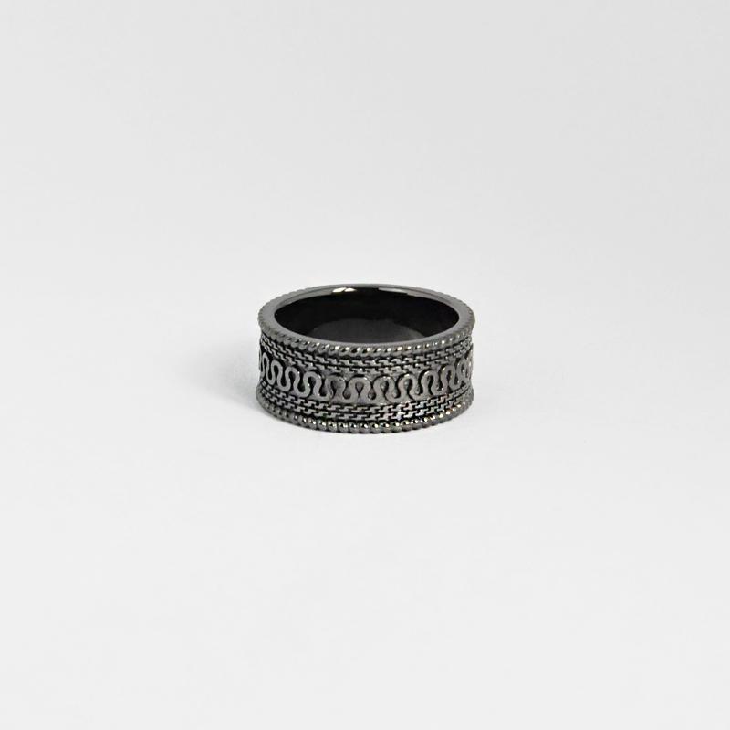 シルバー925 メンズリングオリエンタルな幾何学模様を入れたボリュームあるリング。重厚な存在感等に拘り抜いたリング。ブラックコーティング(Geometric pattern Ring Antique black)