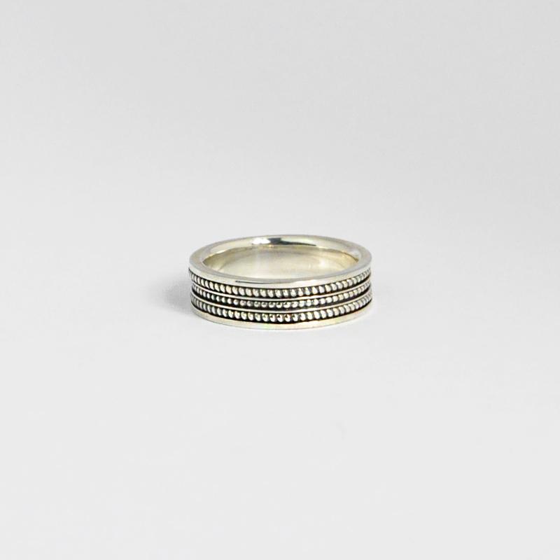 シルバー925 いぶし加工 メンズリングオリエンタルな幾何学模様を入れたボリュームあるリング。重厚な存在感等に拘り抜いたリング。(Pattern Ring Antique silver)