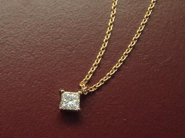 【再販】K18 ダイヤモンド ネックレス 「プリンセスカット」0.1ctup/SIup/Hup【送料無料】18K 18金 YG WG PG イエローゴールド ホワイトゴールド ピンクゴールド 一粒 ひと粒 ギフト プレゼント ファンシーカット