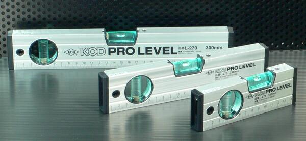 アカツキ アルミ水平器 1800mm L-270 KOD