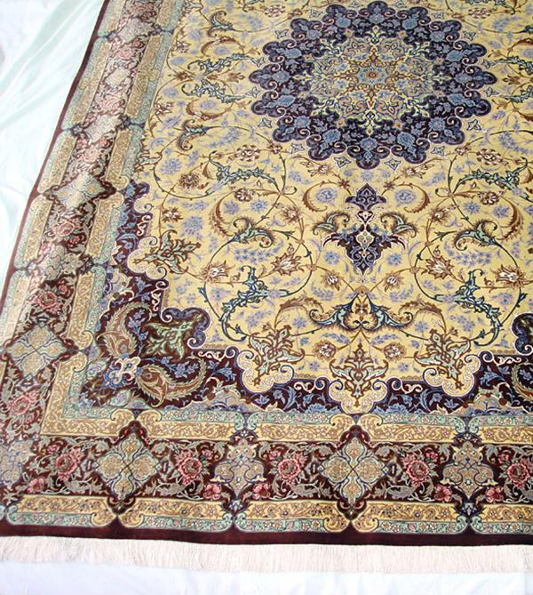 ペルシャ絨毯 サイズ:305×200 産地:クム 作者:アーマディ 材質:シルク【送料無料】【同梱不可】【店頭受取対応商品】