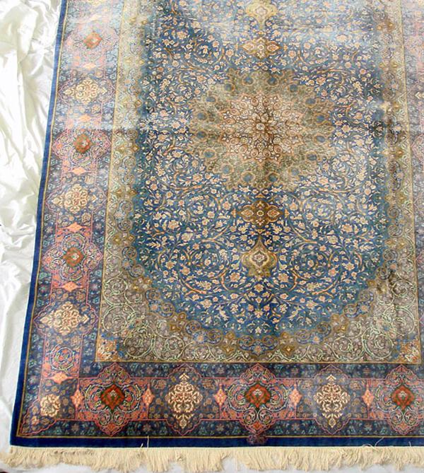 ペルシャ絨毯 サイズ:290×198 産地:クム 作者:オリアイ 材質:シルク【送料無料】【同梱不可】【店頭受取対応商品】