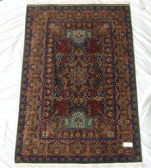 ペルシャ絨毯 サイズ:204×132 産地:クム 作者:Rajabiang 材質:シルク【送料無料】【同梱不可】【店頭受取対応商品】