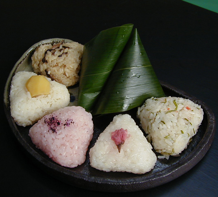 天然笹おこわ(海鮮)手包み/天然笹/おこわ