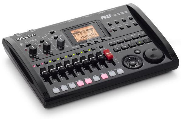 【送料込】ズーム ZOOM R8(本体のみ) 2tr同時録音/8tr同時再生/B5サイズ・コンパクト・マルチトラック・レコーダー【smtb-TK】