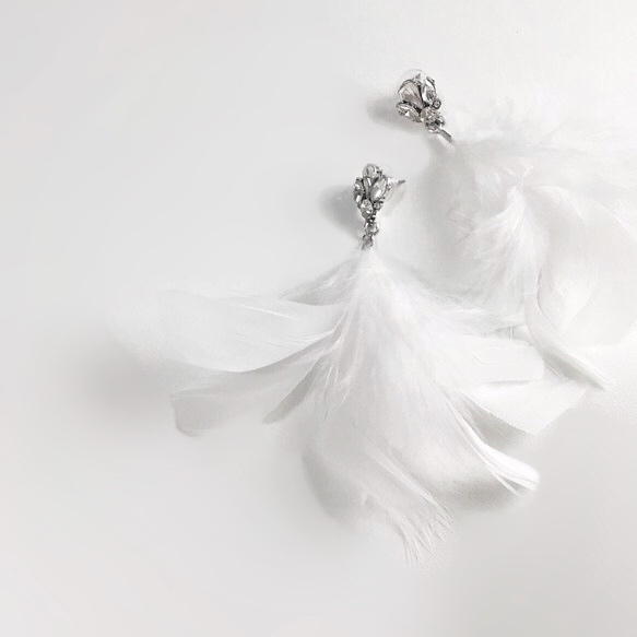 ailebouquetオリジナル フェザーピアス ビジュー ウェディング アクセサリー 日本全国 送料無料 クリスタル シルバー ブライダル 羽 結婚式 ファー マラボー 羽根 驚きの値段