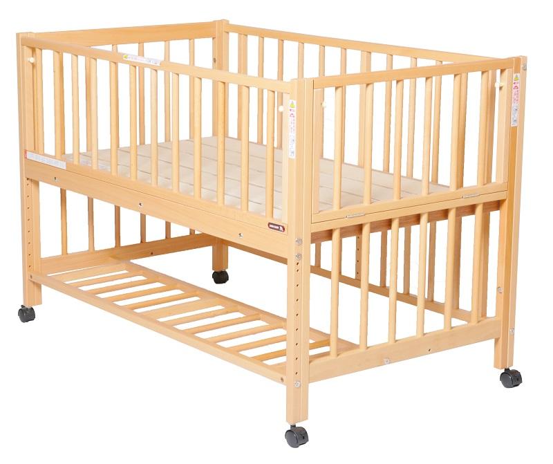 【澤田工業 正規販売店】添い寝ベッドS型スクレ(ベルト付)【120サイズ】【すのこ床板】【ツーオープン】 / ベビーベッド サワベビー 日本製 すのこ床板 寝台 9段階 キャスター付き 販売