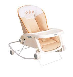 【新生児~2歳頃まで使えます】コンビ プルメアS 222952 / ベビーラック ローラック チェア 手動ラック 赤ちゃん 保育園 幼稚園 託児所 こども園 低いイス テーブル付き お食事チェア 椅子 移動
