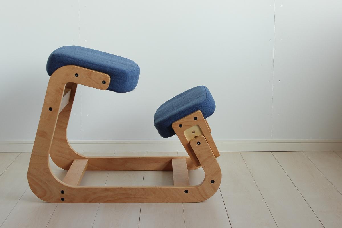 【ママ割会員さらにポイント5倍】座るだけで姿勢が良くなるSLED CHAIR スレッドチェア / 背筋が伸びる 美しい姿勢 簡単な調整で子供から大人まで座れます レッド ブルー ピンク グリーン ブラウン