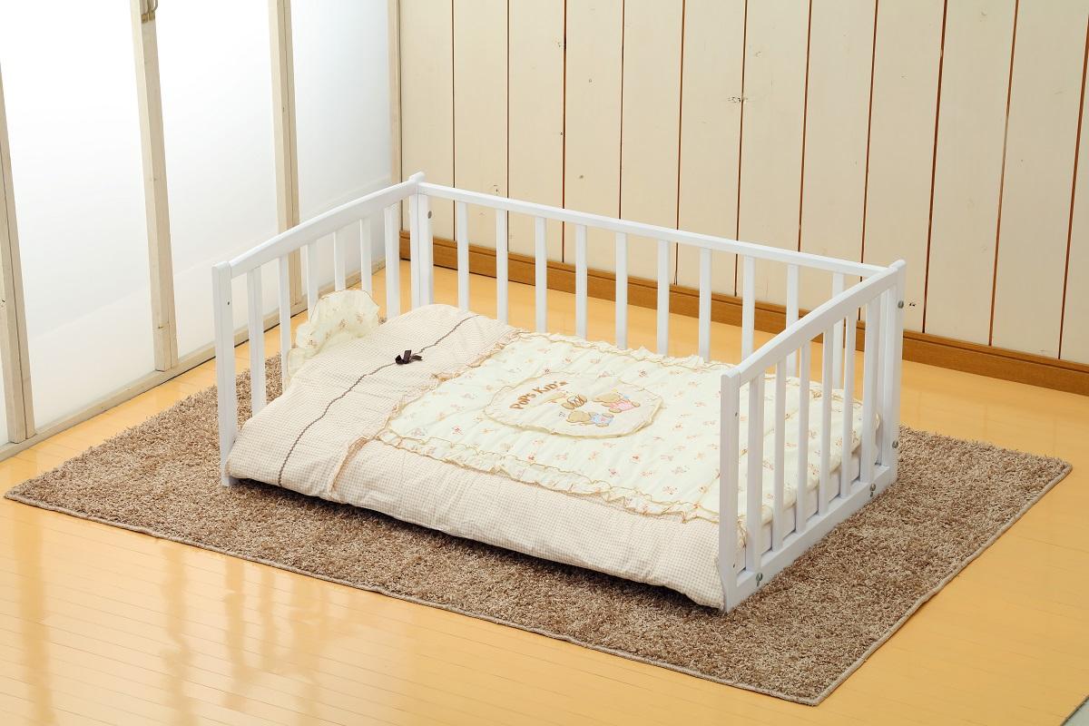 【送料無料】お布団で寝ているママ・パパに!ヤマサキ NEWおふとんサークル ホワイト(内寸120×70cm) / お布団サークル