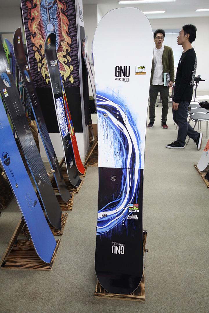 GNU [ RIDERS CHOICE @92880] グヌー スノーボード 安心の正規輸入品