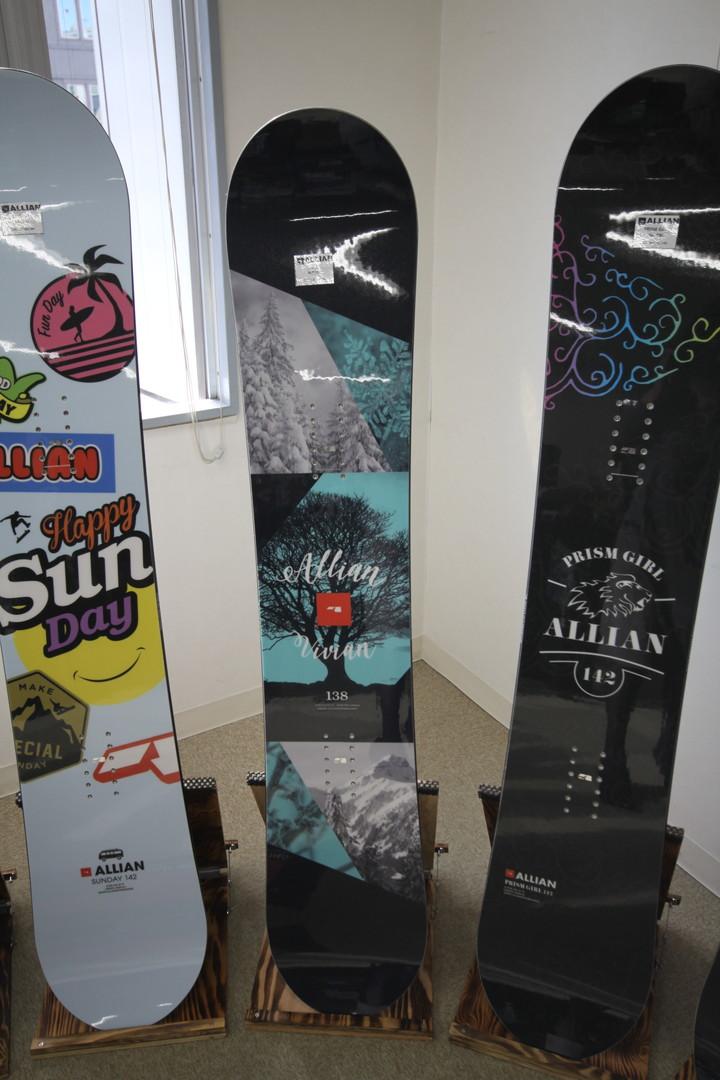 ALLIAN SNOWBOARD 【 VIVIAN @62640】 アライアン スノーボード 【正規代理店商品】【送料無料】