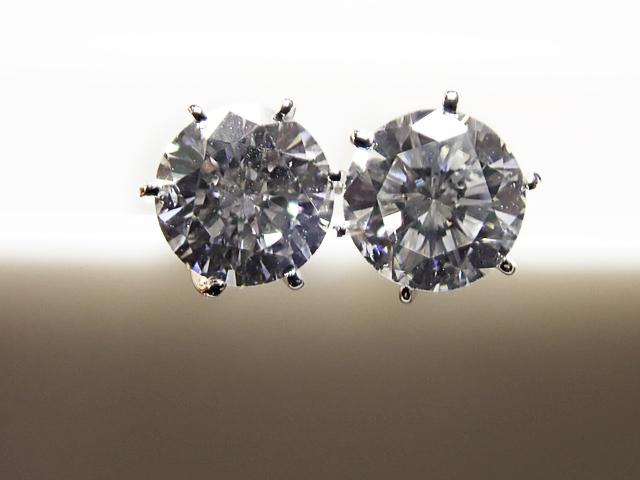 0.168ct&0.152ct D-E,SI1,GOOD-VERY GOOD PT製 6本爪 ダイヤモンドピアス