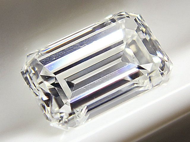 0.544ct G,VVS2,エメラルドカット ダイヤモンドルース