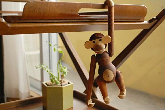送料無料 スピード発送 カイ ボイスン モンキー 小 Kay Bojesen Monkey リプロダクト品 チーク材 木製玩具 置物 置き物 動物 サル おしゃれ プレゼント 木のおもちゃ 贈り物 オブジェ インテリア雑貨 かわいい お猿さん お金を節約 さる 木製おもちゃ 北欧インテリア ご注文で当日配送 北欧デザイン