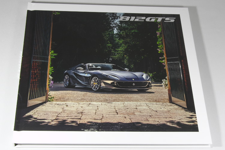フェラーリ 812 GTS スーパーファスト ハードカバー カタログ 2020 FERRARI Superfast