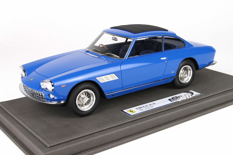 BBR 1/18 フェラーリ 330 GT 2+2 クローズドルーフ ジョン・レノンパーソナルカー ブルー 200台限定 BBR 1:18 Ferrari 330 GT 2+2 Closed Roof Personal Car John Lennon blue Limited Edition 200 pcs