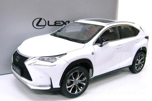 レクサス特注 1/18 レクサス NX 200t ホワイト 2015 NX200t