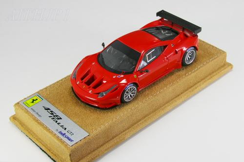 ルックスマート 1/43 フェラーリ 458 イタリア GT2 ロッソ・スクーデリア アルカンターラベース