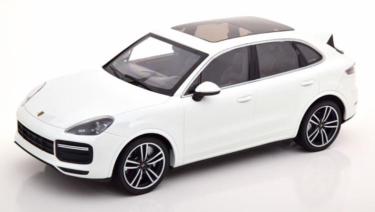 ミニチャンプス 1/18 ポルシェ カイエン ターボ S 2017 ホワイト 333台限定 Porsche Cayenne Turbo white