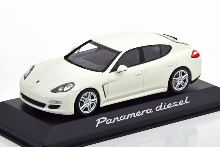 《メーカー在庫限り特価》 ミニチャンプス 1 43 ポルシェ パナメーラ ディーゼル 2012 正規取扱店 ホワイト Panamera edition of Diesel Porsche white ポルシェ特別版Minichamps 待望 1:43 special
