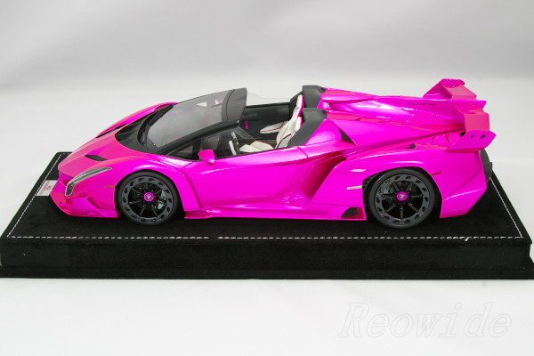 MR 1 / 18 Lamborghini Veneno Roadster Flash Pink 35 Limited Display Case  With
