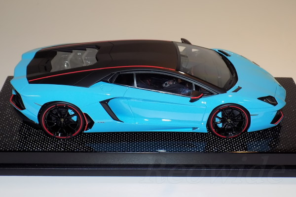 MR 1 / 18 Lamborghini Aventador Lp700 4 Pirelli Edition Baby Blue Carbon  Fibre Limited Ten (reserved Goods)
