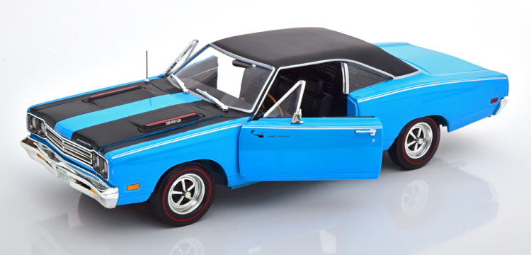 Ertl/Auto World 1/18 プリムス ロードランナー 1969 ブルー/マットブラック Ertl/Auto World 1:18 Plymouth Road Runner 1969 blue matt-black