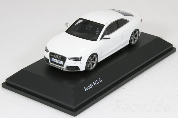 Sparkling 1 / 43 Audi RS5 Coupe Ibis White 2012 Audi Special Order Model