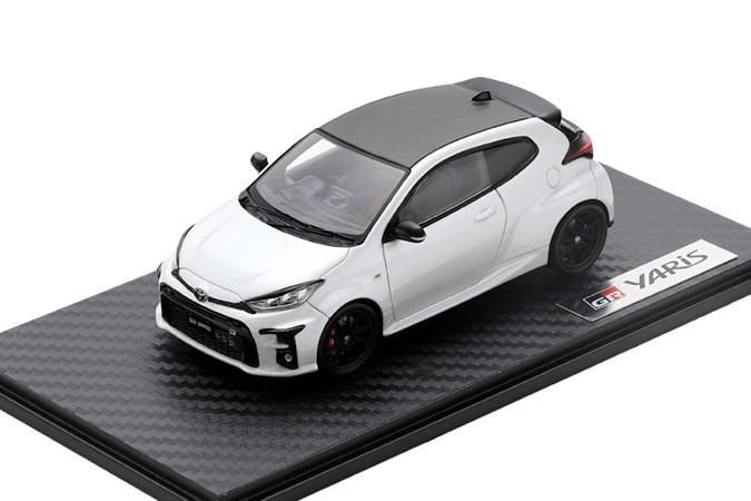 ヤリス GAZOO YARIS スパーク Racing特注 TOYOTA プラチナホワイトパールマイカ トヨタ GR 1/43
