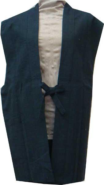 かねろく会津木綿 着物用上っ張り 袖なし半天 男性サイズいまではとっても貴重な原山織物工場製 玄武織 紺系1枚限定 再入荷はございません。sodenasi-m0