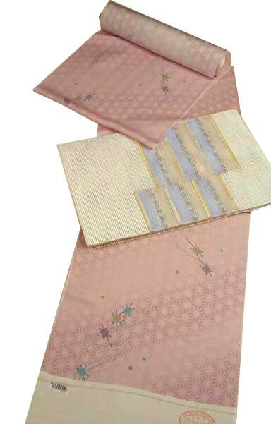夏は涼しい正絹の絽小紋!やわかい肌触りピンク地模様に糸こま柄-301