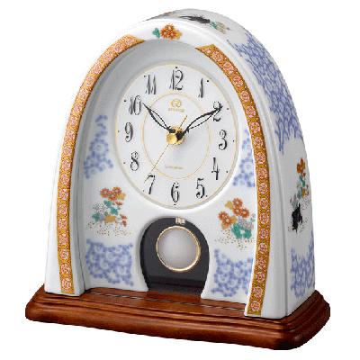 [代引き不可]■リズム時計 JAPAN MADE【有田焼 磁器枠時計 染錦遊犬の図798】香蘭社 クオーツ置時計 飾り振子付 4RP798HG04【楽ギフ_包装選択】.
