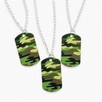 中古 輸入品 優先配送 未使用 Camouflage Dog Tag dozen Necklaces 再再販 4 Bulk Toy -