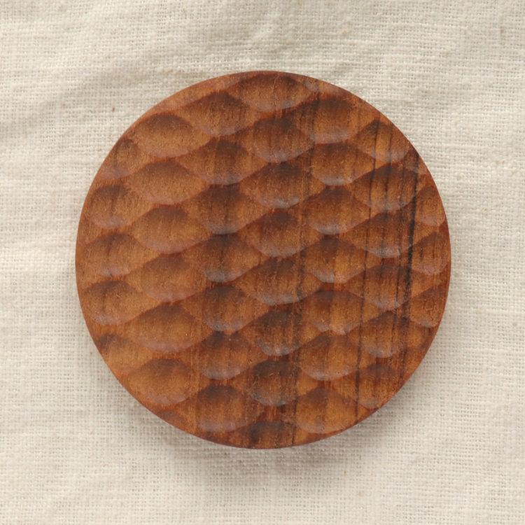 お得クーポン発行中 チーク素材のコースター チーク 手彫り ついに再販開始 木製 ラウンド コースター