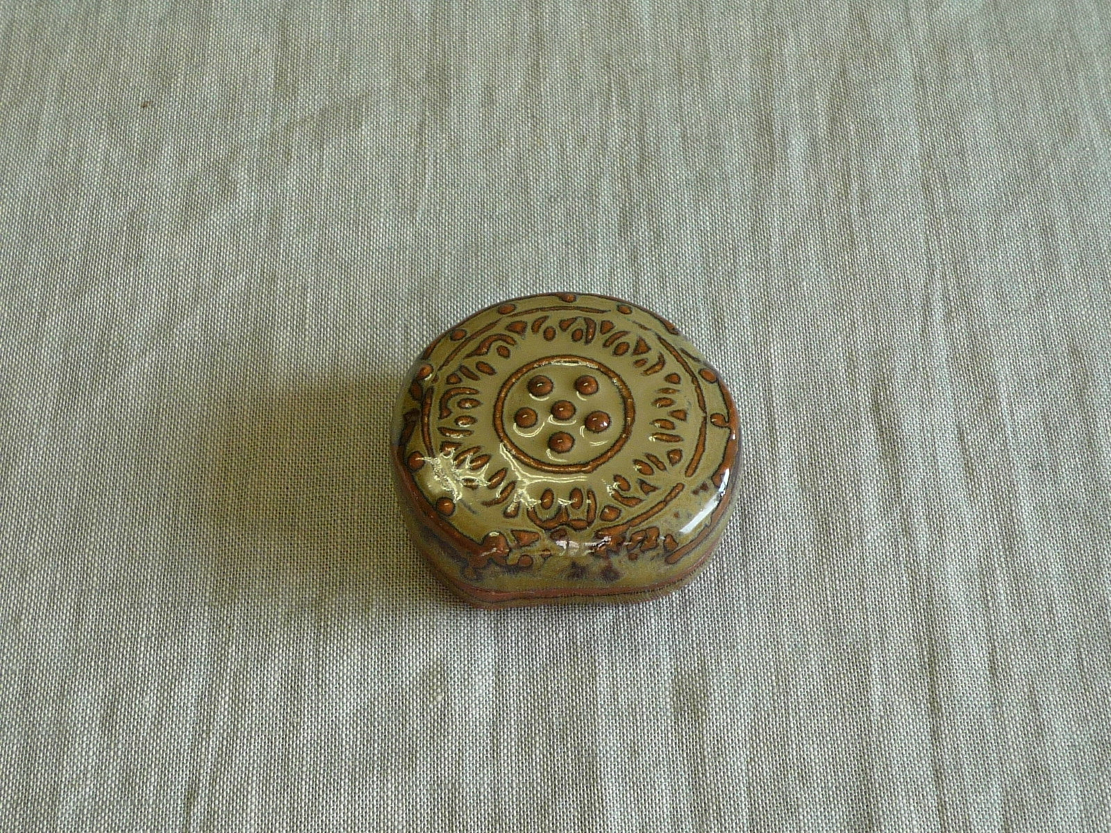 赤膚焼 古代瓦香盒 作家物 東大寺 古代瓦 香盒 窯変 登り窯