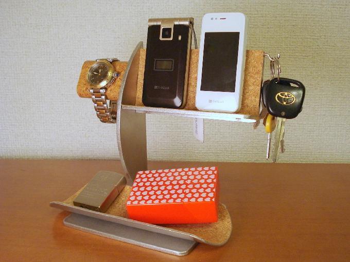 腕時計スタンド 送料無料腕時計・キー・携帯電話スタンド 《タバコ、ライター、メガネなども置ける大き目小物トレイ付き》