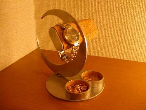 誕生日プレゼントに ウォッチスタンド 三日月2本掛け腕時計スタンドダブル丸トレイ