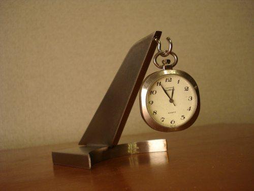 懐中時計ケース ちょっと変わった懐中時計スタンドCK3